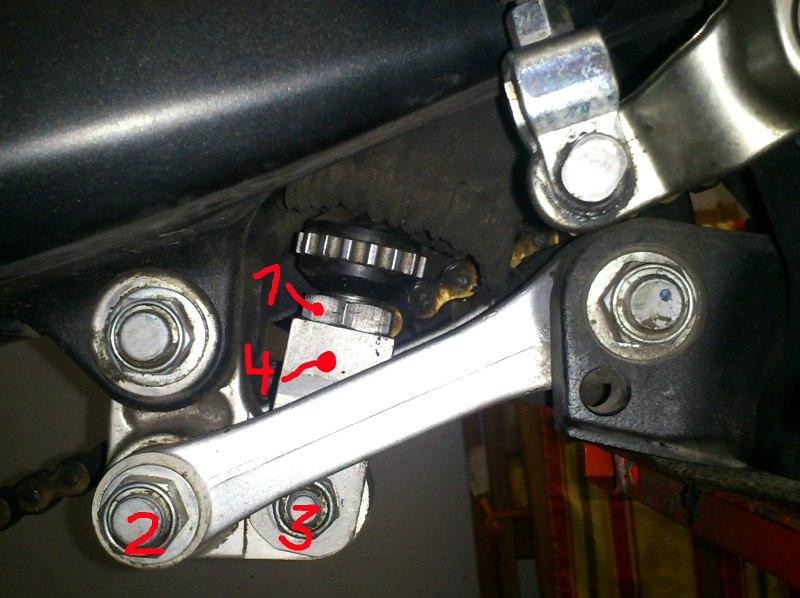 Federbeinlängeneinstellung bei Yamaha WR250R