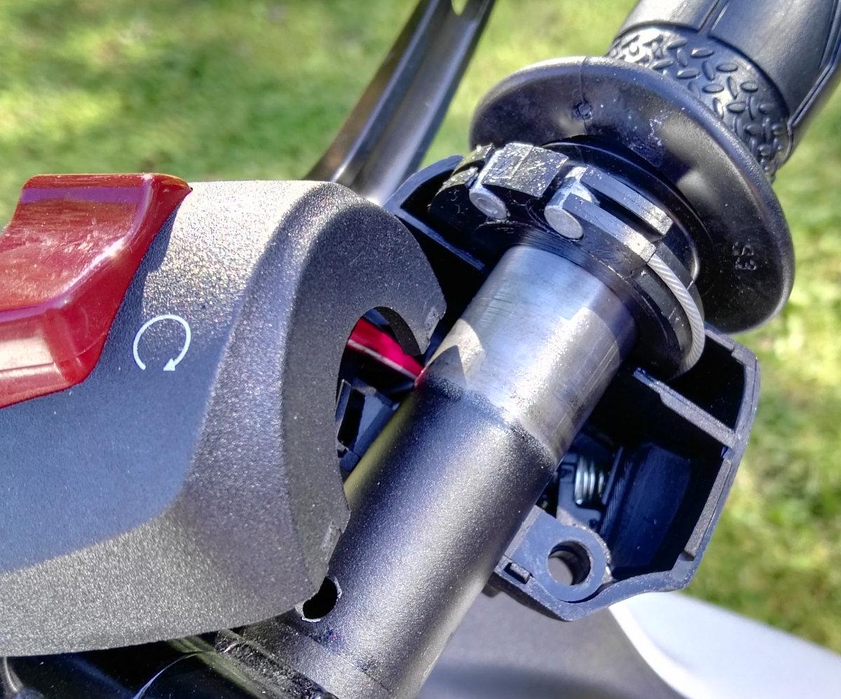 Gasseilrolle der Yamaha YZF-R3
