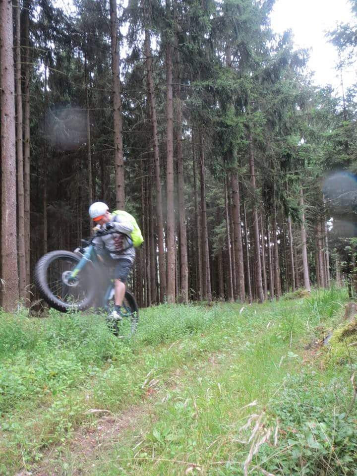 Fatbike im Wald mit rottal-total.de - Danke für das Teilnehmerfoto!